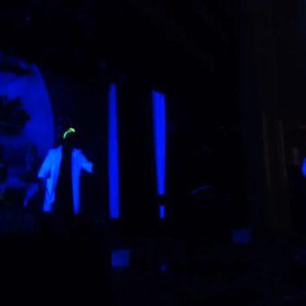 Праздник, шоу на сцене